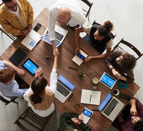 Møde i et SEO firma